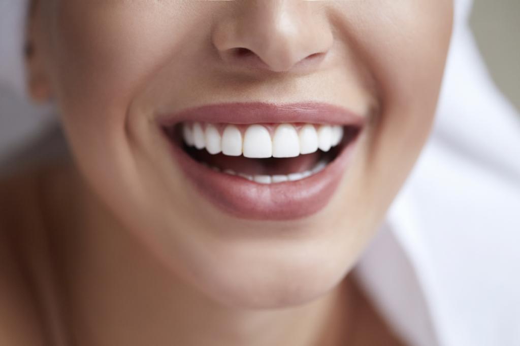 GLO Whitening Teeth